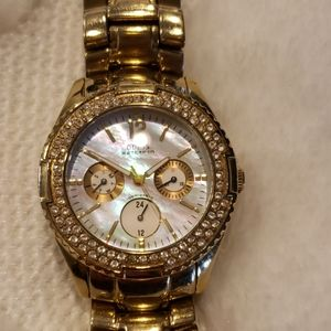 Gorgeous Guess Mother Of Pearl Chronograph Watch